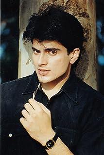Rahil Azam Picture
