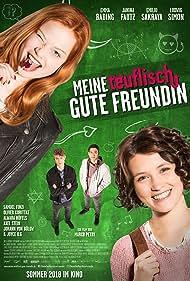 Janina Fautz, Emilio Sakraya, Ludwig Simon, and Emma Bading in Meine teuflisch gute Freundin (2018)