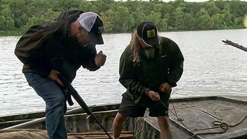 Swamp People: Jacob Hunts An Alligator With Nine Lives