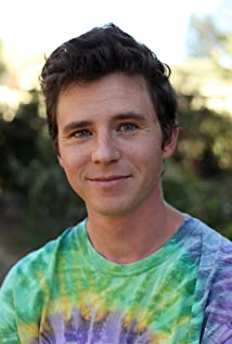 Charlie McDermott Picture