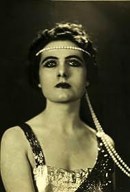 Francesca Bertini in La femme d'une nuit (1930)