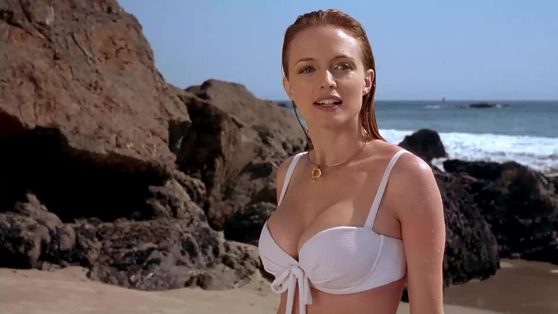 felicity shagwell austin powers white bikini
