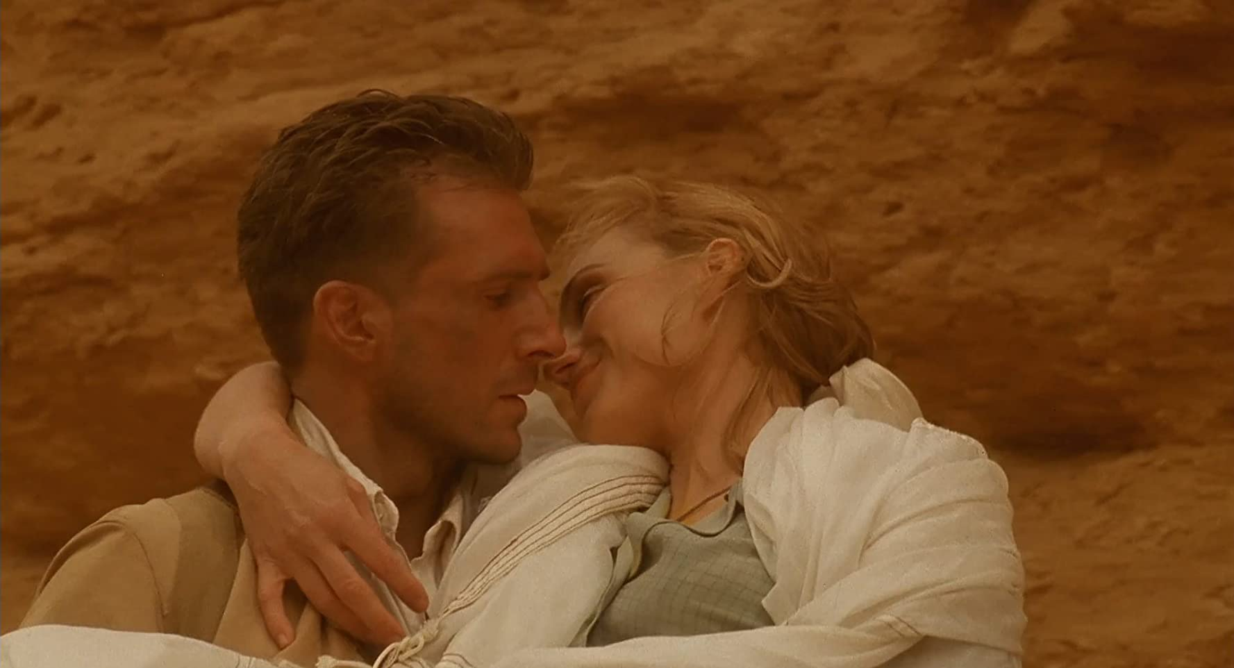 Historias de amor - Ralph Fiennes and Kristin Scott Thomas in The English Patient (1996)