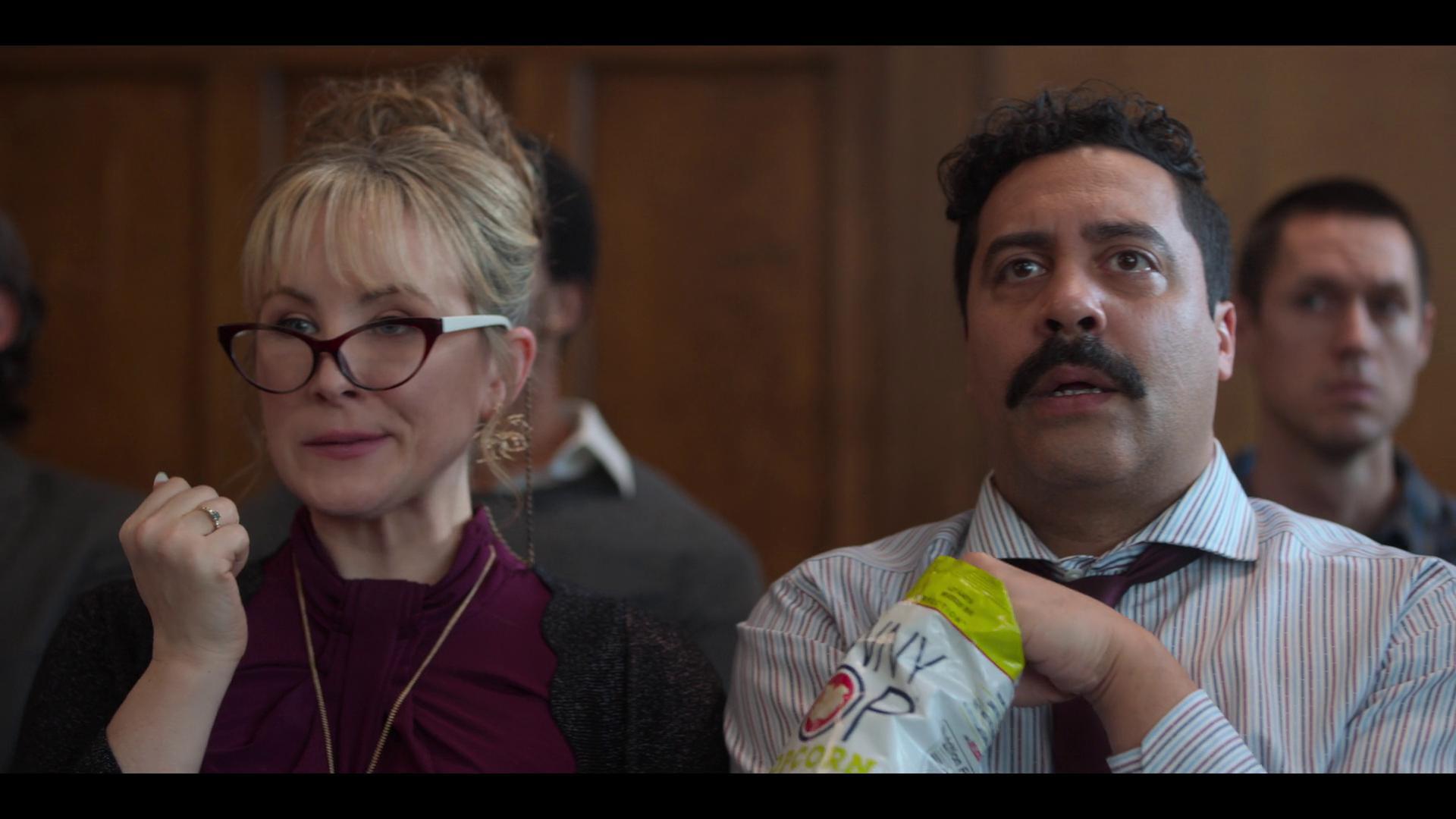 Sean Amsing and Lisa Durupt in Love, Guaranteed (2020)