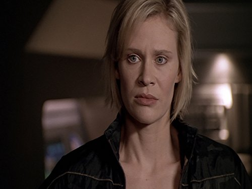 Lisa Ryder in Andromeda (2000)