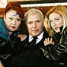 Faye Kokkinopoulou, Mirka Papakonstantinou, and Nikos Seryanopoulos in Oi stavloi tis Erietas Zaimi (2002)