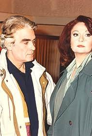 Kostas Prekas and Mirka Papakonstantinou in Enas erotas (1996)