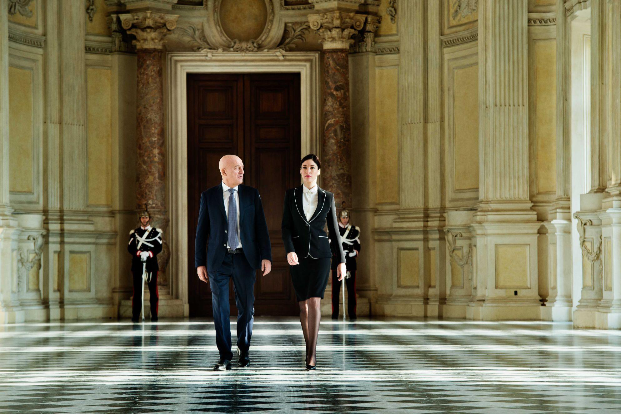 Claudio Bisio and Sarah Felberbaum in Bentornato presidente (2019)