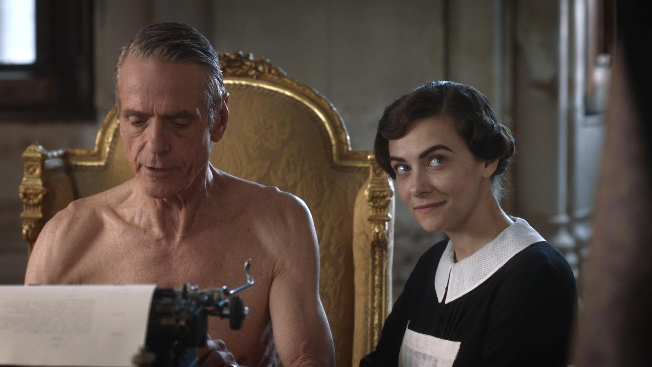 Jeremy Irons and Sara Vickers in Watchmen (2019)
