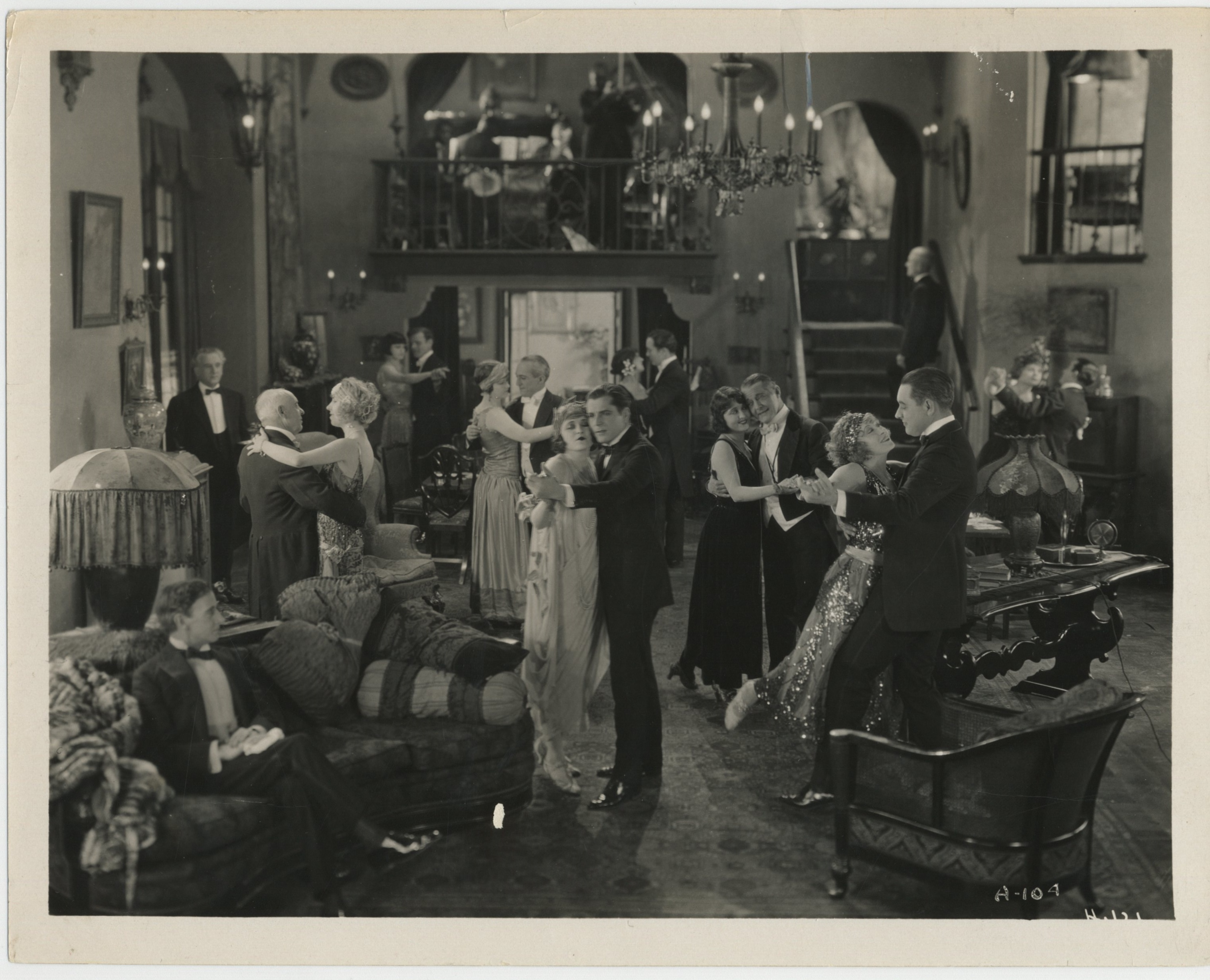 Warner Baxter, Alton Brown, William A. Carroll, Grace Darmond, Clyde Fillmore, Herschel Mayall, Ruby Miller, and Jackie Saunders in Alimony (1924)