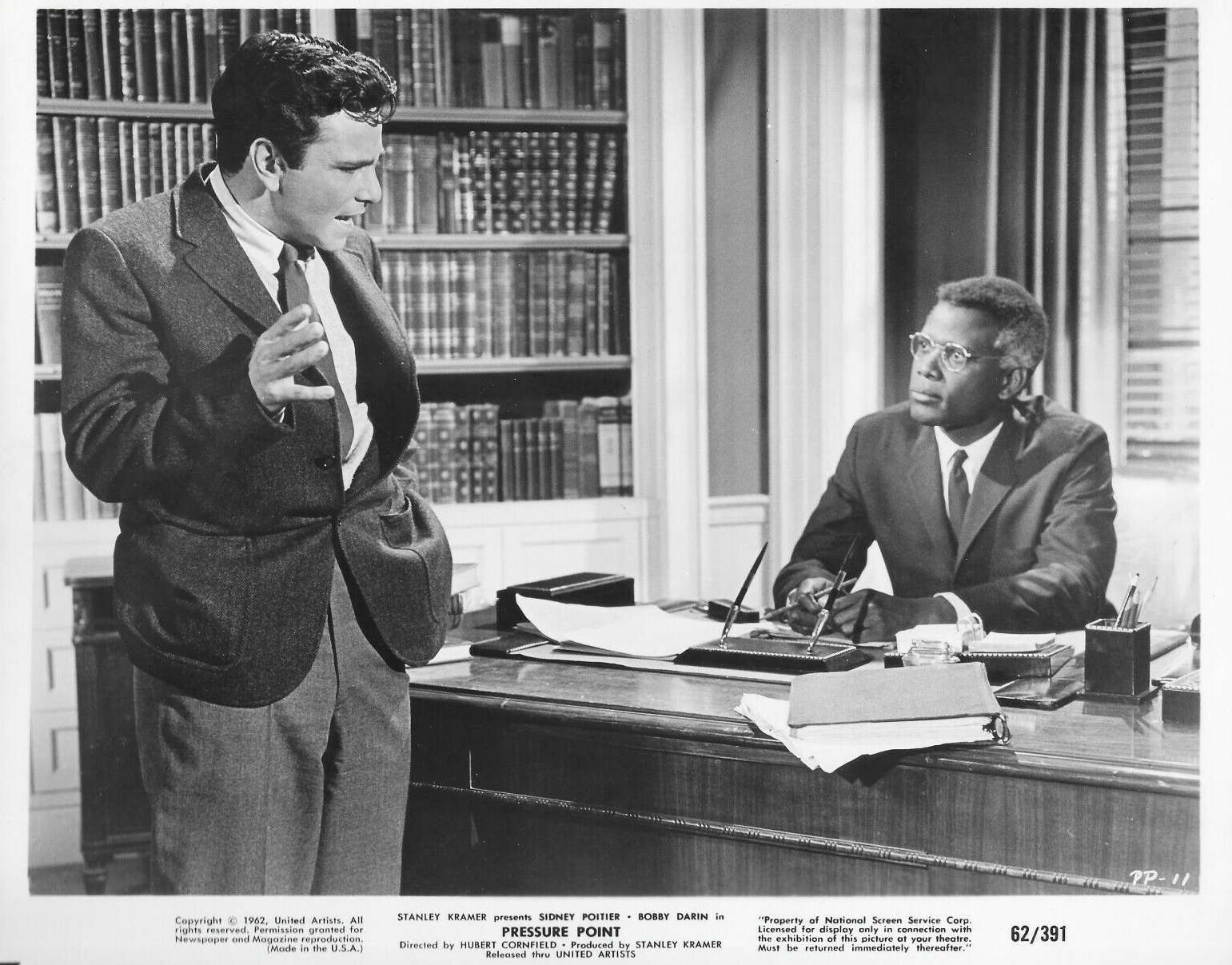 Peter Falk and Sidney Poitier in Pressure Point (1962)