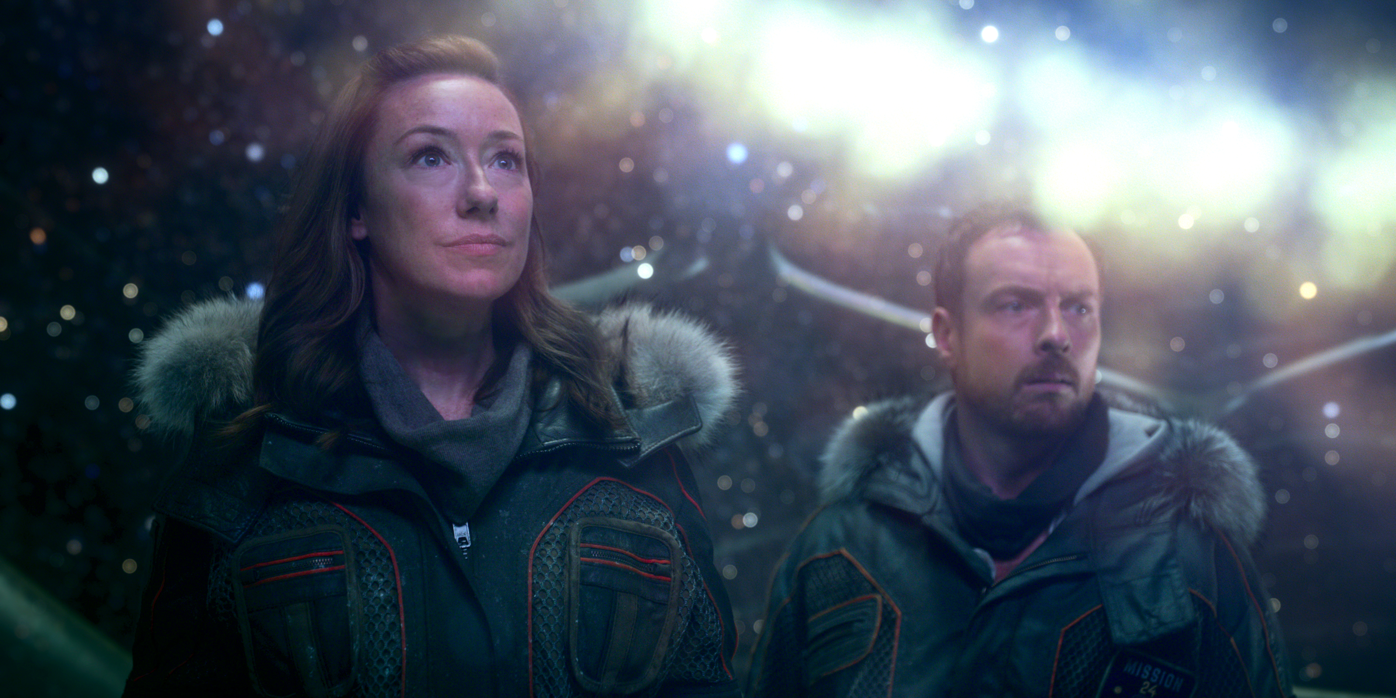Molly Parker and Toby Stephens in Lost in Space (2018)