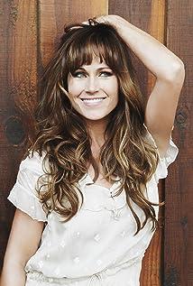 Nikki Deloach Picture