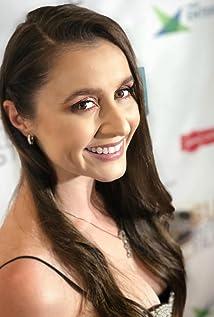 Alison Kohlhardt Picture