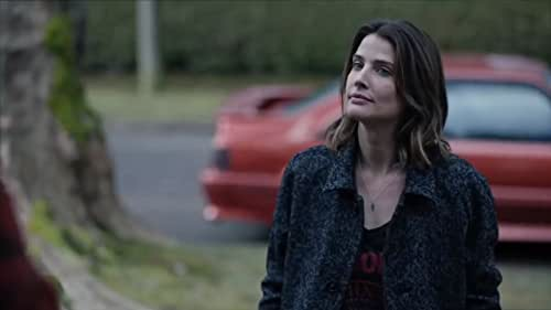 """Based on the """"Stumptown"""" graphic novel series, follows Dex Parios (Cobie Smulders) as a strong, assertive, and sharp-witted army veteran with a complicated love life, gambling debt, and a brother to take care of in Portland, Oregon. Her military intelligence skills make her a great P.I., but her unapologetic style puts her in the firing line of hardcore criminals and not quite in alliance with the police."""
