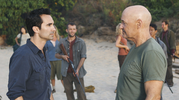 Nestor Carbonell and Terry O'Quinn in Lost (2004)