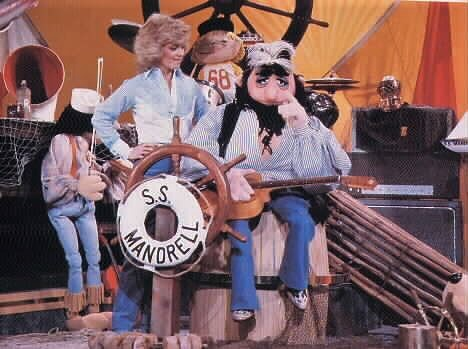 Barbara Mandrell and The Krofft Puppets in Barbara Mandrell and the Mandrell Sisters (1980)