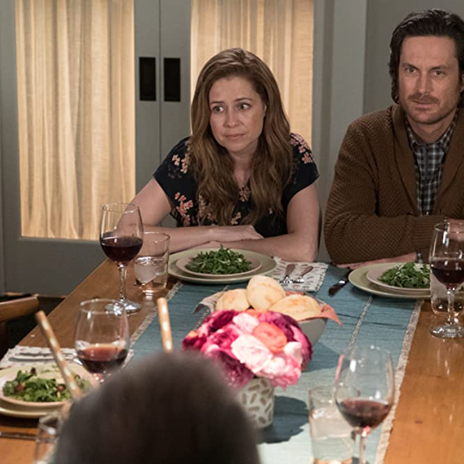 Oliver Hudson and Jenna Fischer in Splitting Up Together (2018)