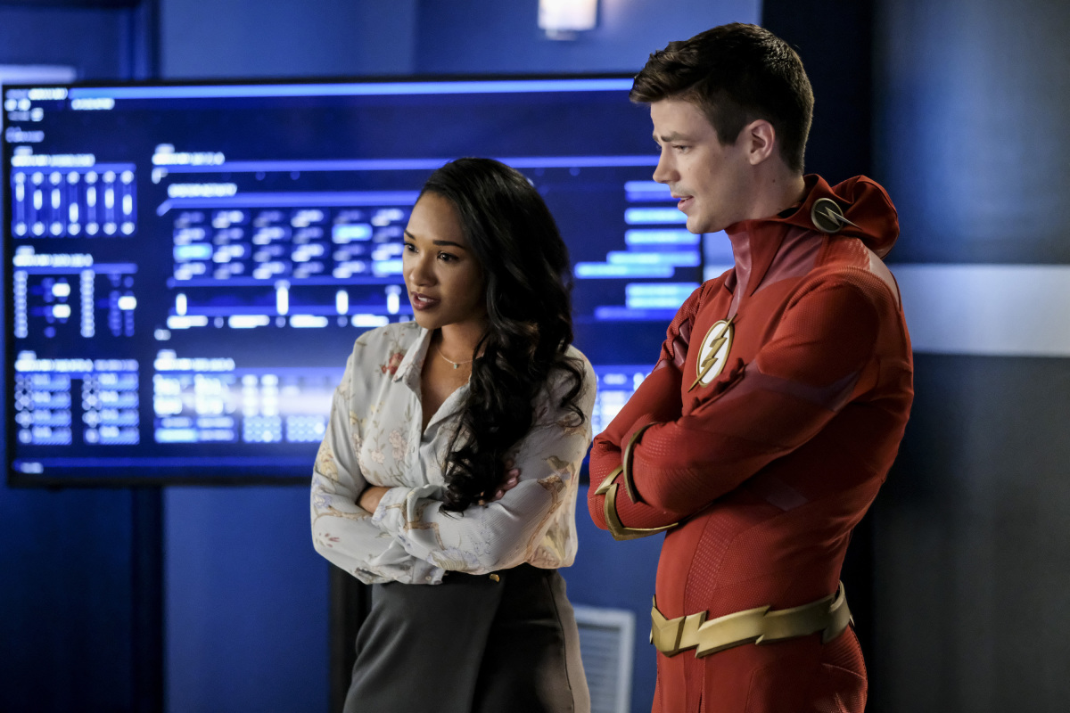 Grant Gustin and Candice Patton in The Flash (2014)