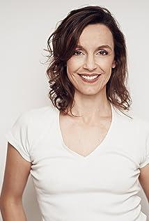 Carla Maciel Picture