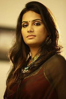 Lakshmi Priyaa Chandramouli Picture