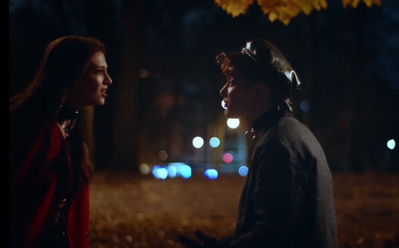 Brendan Scannell and Zoe Levin in Bonding (2018)