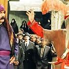 Mahmood Pakniat and Parviz Fallahi Pour in Shabe 10 (2002)