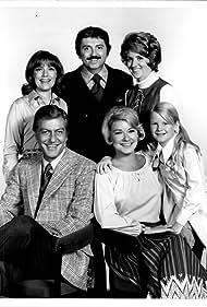 Dick Van Dyke, Marty Brill, Nancy Dussault, Fannie Flagg, Hope Lange, and Angela Powell in The New Dick Van Dyke Show (1971)