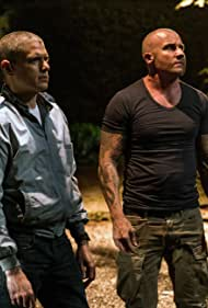 Wentworth Miller and Dominic Purcell in Prison Break (2005)