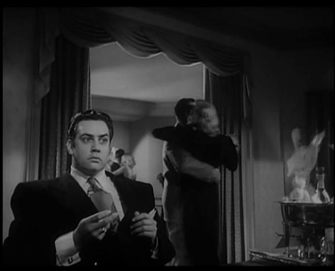 Raymond Burr in Raw Deal (1948)