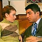 Özcan Deniz and Eylem Yildiz in Asmali konak (2002)
