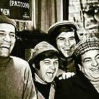 Tarik Akan, Halit Akçatepe, Zeki Alasya, and Kemal Sunal in Mavi Boncuk (1975)
