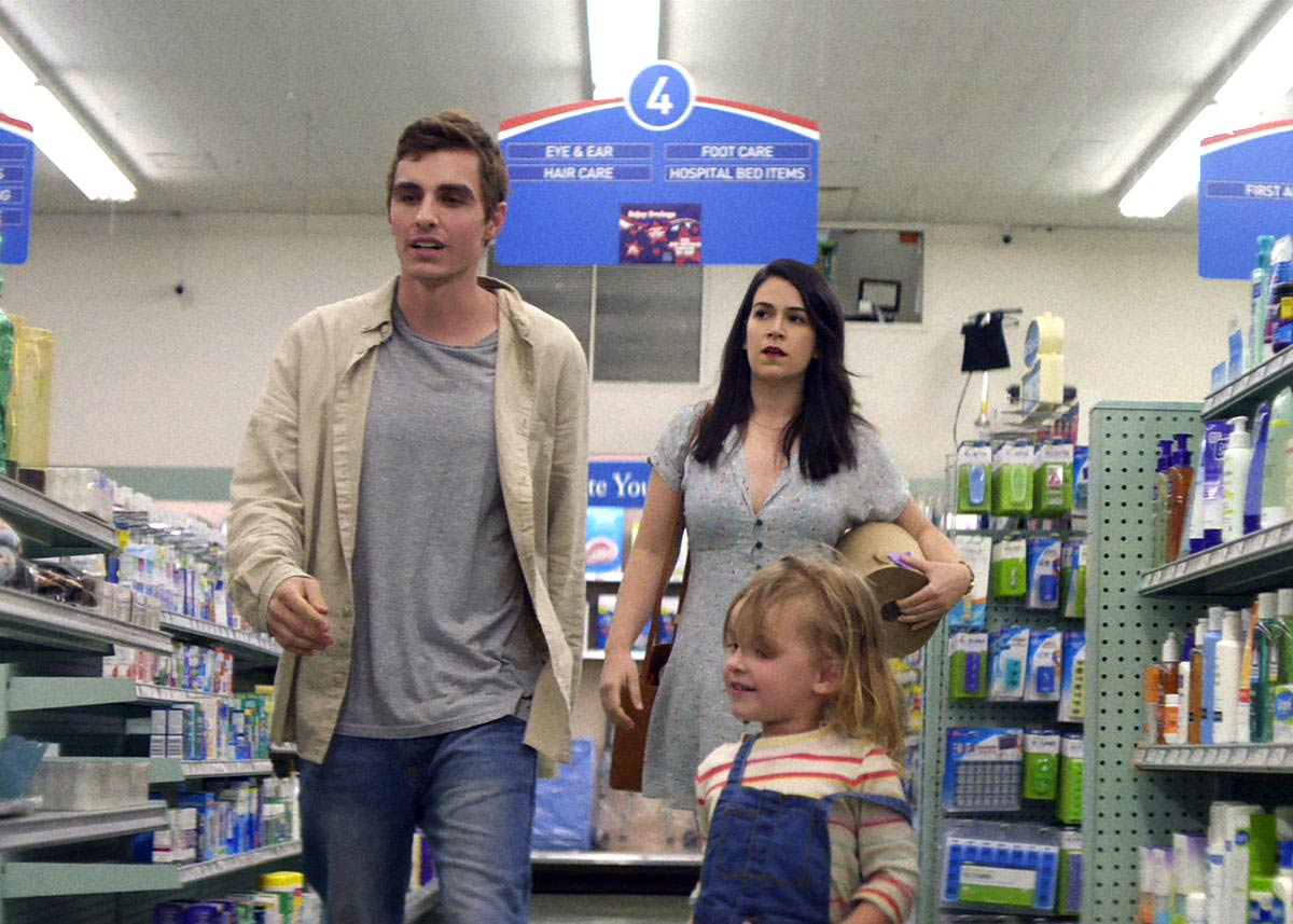 Dave Franco, Abbi Jacobson, and Charlotte Carel in 6 Balloons (2018)