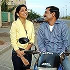 Sanjay Narvekar and Sai Tamhankar in Be Dune Saade Chaar (2009)