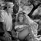 Gisela Dali and Fragiskos Manellis in To karpouzaki (1962)