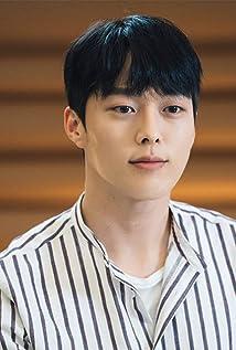 Jang Ki-Yong Picture