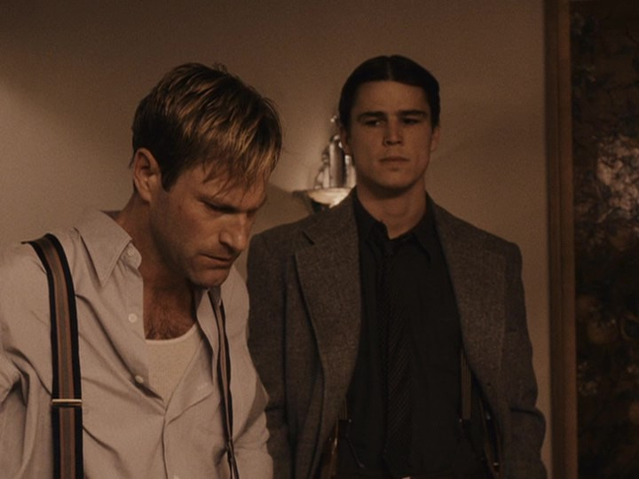 Aaron Eckhart and Josh Hartnett in The Black Dahlia (2006)