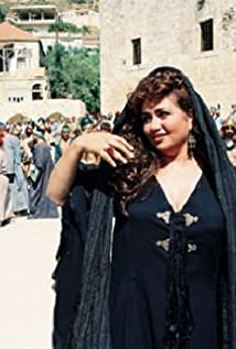 Layla Olwi Picture