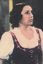 Nina Quartero's primary photo