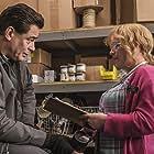 Patricia Arquette and Benicio Del Toro in Escape at Dannemora (2018)