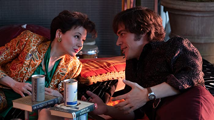 Renée Zellweger and Finn Wittrock in Judy (2019)