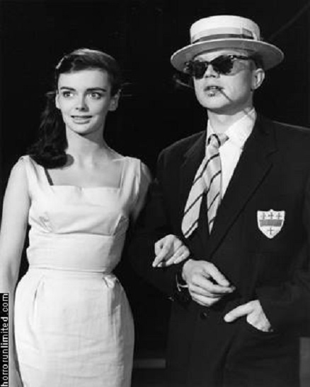 Hardy Krüger and Barbara Steele in Bachelor of Hearts (1958)