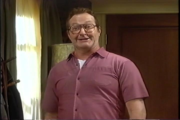 Randy Quaid in The Grubbs (2002)