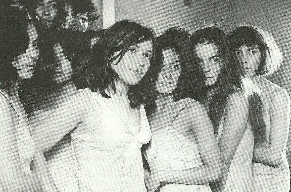 María Rojo in Las poquianchis (De los pormenores y otros sucedidos del dominio público que acontecieron a las hermanas de triste memoria a quienes la maledicencia así las bautizó) (1976)