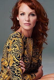 Anne Leighton