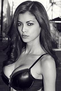 LeeAnna Vamp Picture