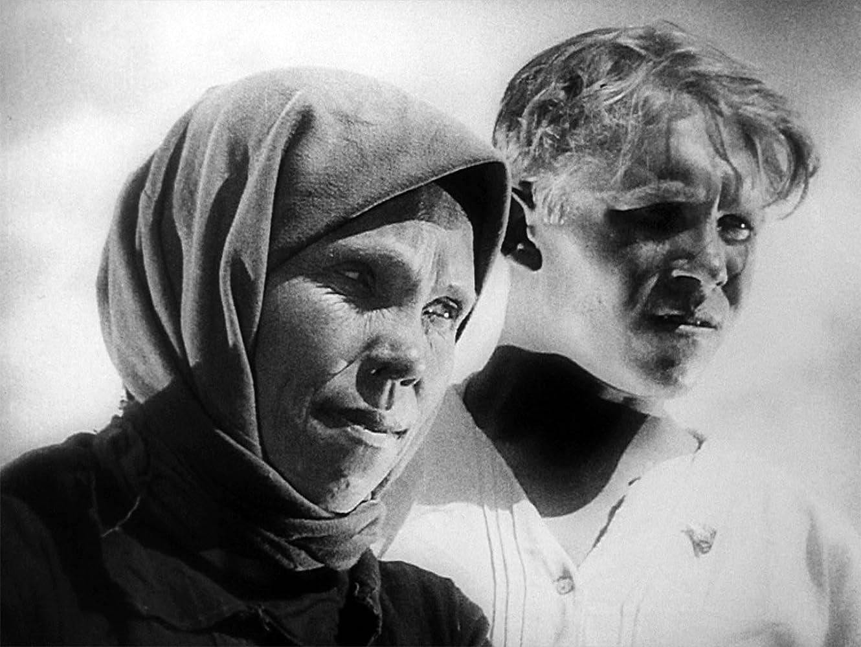 Marfa Lapkina in Staroye i novoye (1929)