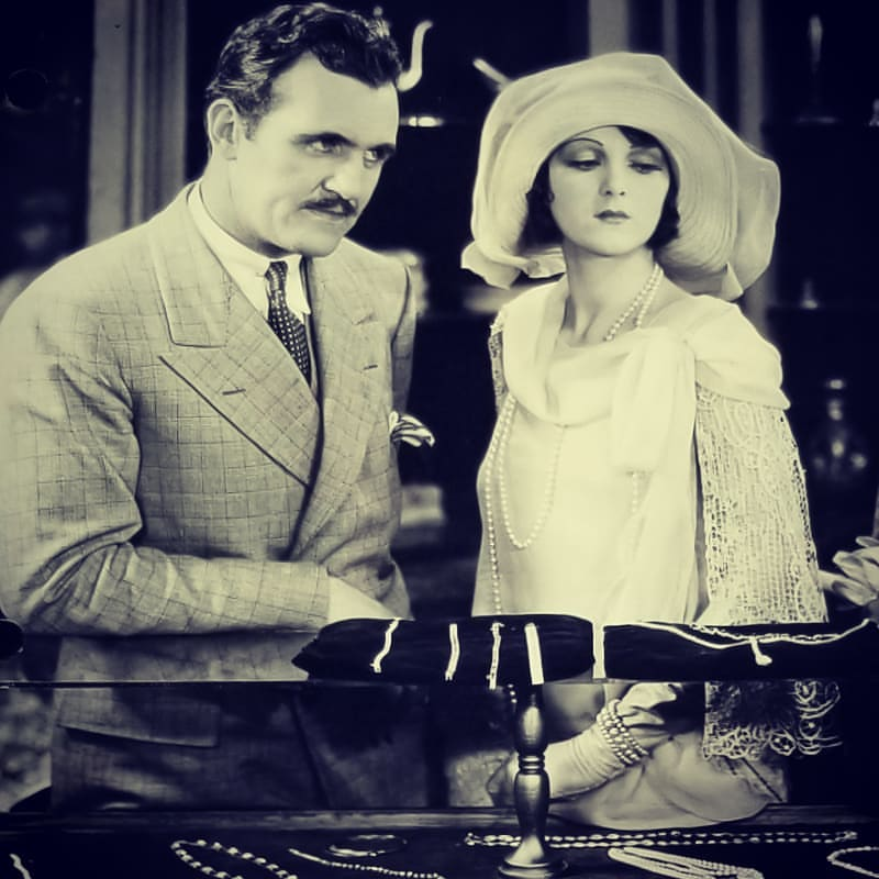 Walter McGrail and Lia Torá in The Veiled Woman (1929)