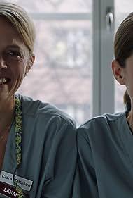 Josephine Bornebusch and Nina Zanjani in Är du lycklig?/Are you happy? (2019)