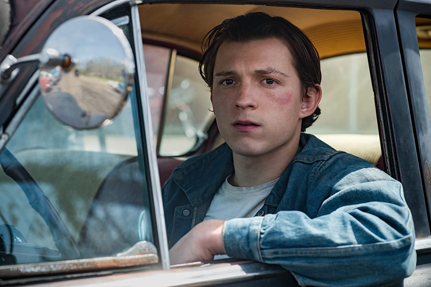 Tom Holland in The Devil All the Time (2020)